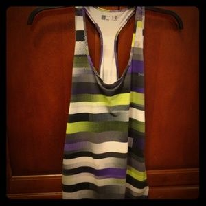 Xersion large semi fitted workout activewear tank